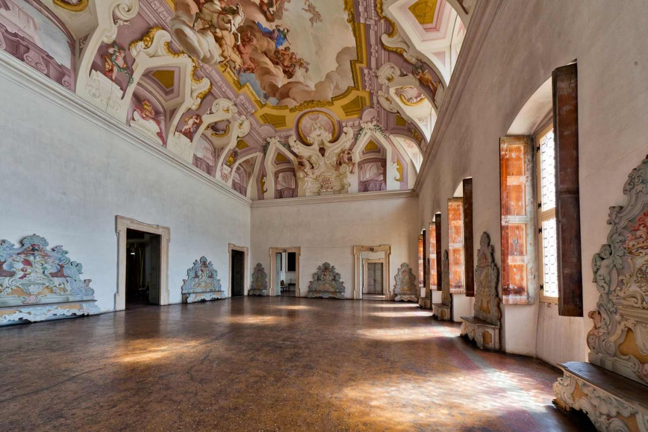 Villa sagramoso perez pompei for Interni ville