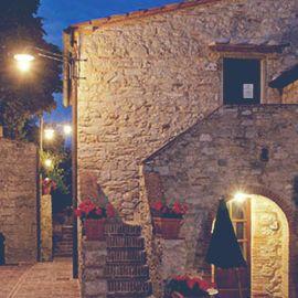 Albergo diffuso/Historic hamlet