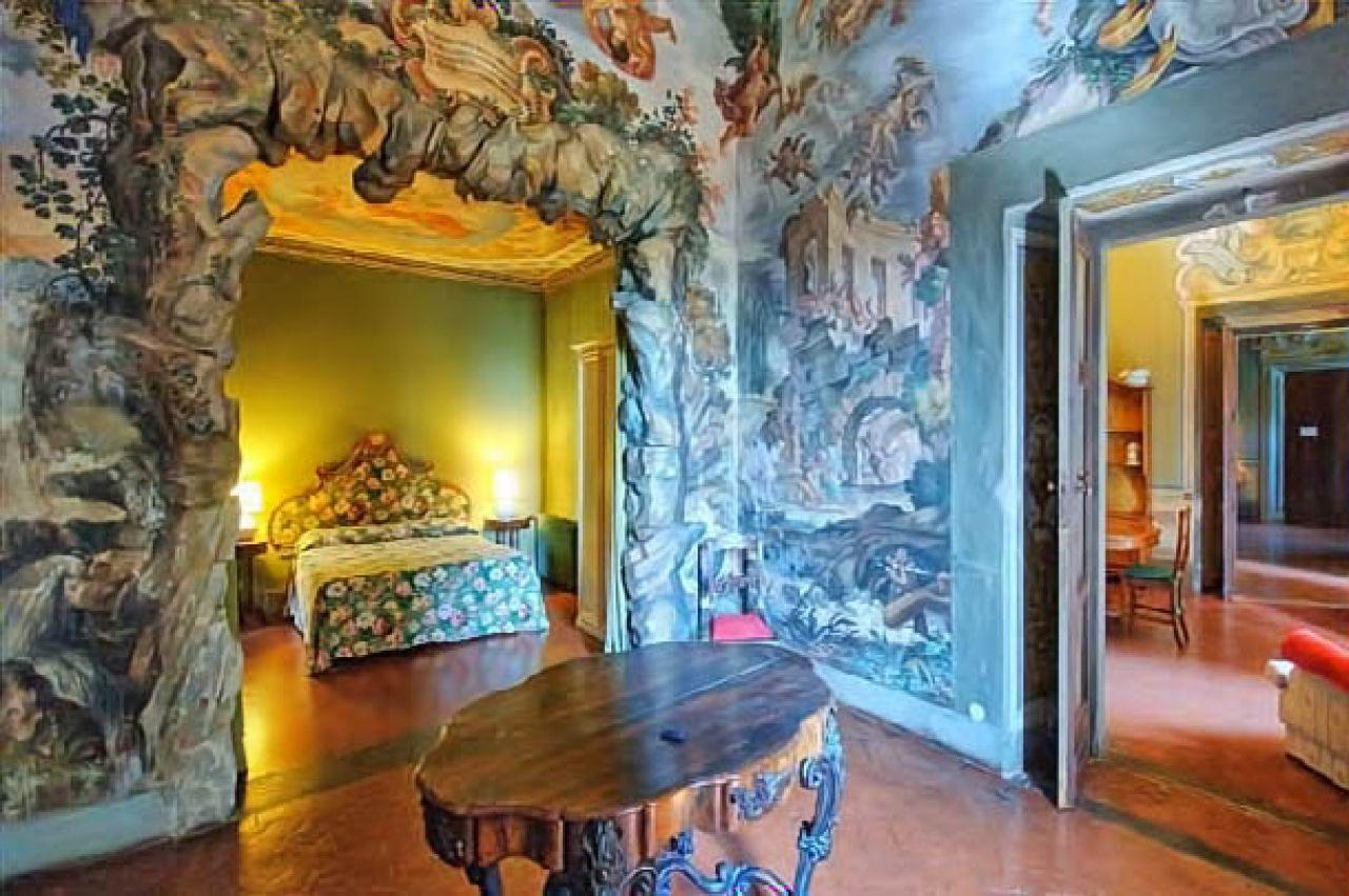 Castello di montegufoni for Ville lussuose interni