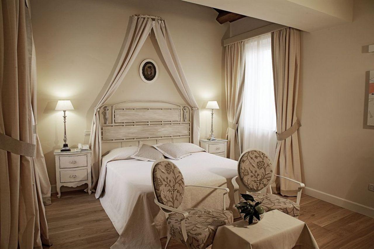 Hotel residenza 100 torri - Mobili romantici ...