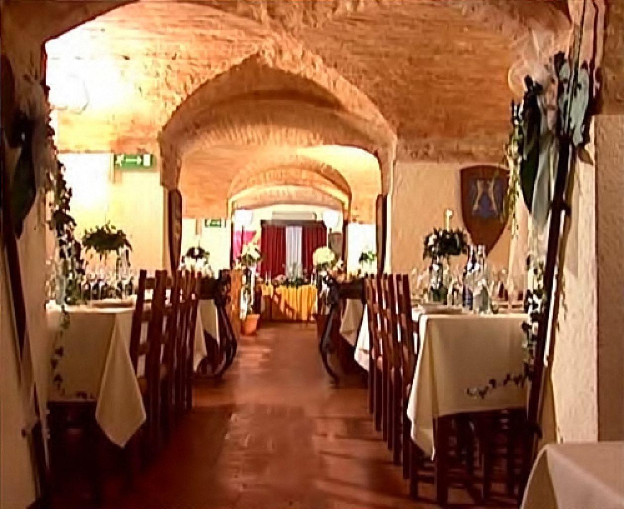 Castello di stigliano for Immagini di interni